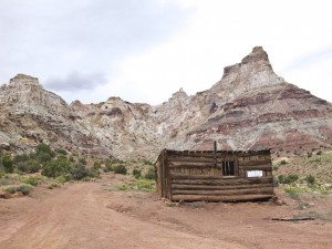 Temple Mountain & Miners Shack