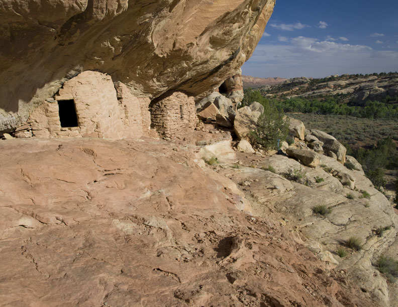 Lower Mule Canyon Indian Ruins